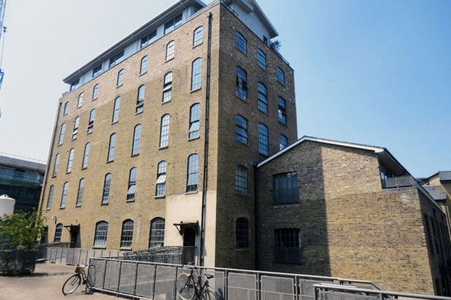 Thumbnail Flat to rent in Gunmakers Lane, London
