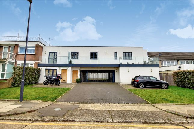 2 bed flat for sale in Garden Court, Stanmore HA7