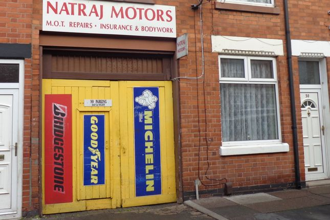 Warehouse to let in Flax Road, Leicester