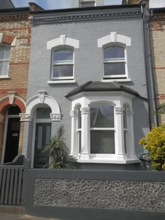4 bed terraced house to rent in Edison Road, London N8