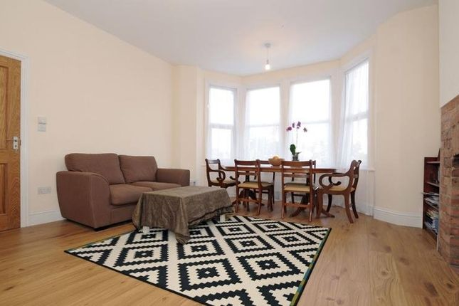 Thumbnail Flat to rent in Bowes Road, Bounds Green, London