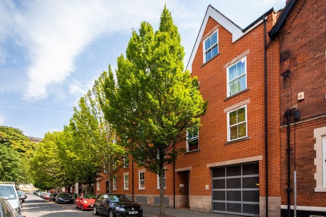 Thumbnail Flat for sale in Hope Drive, The Park, Nottingham