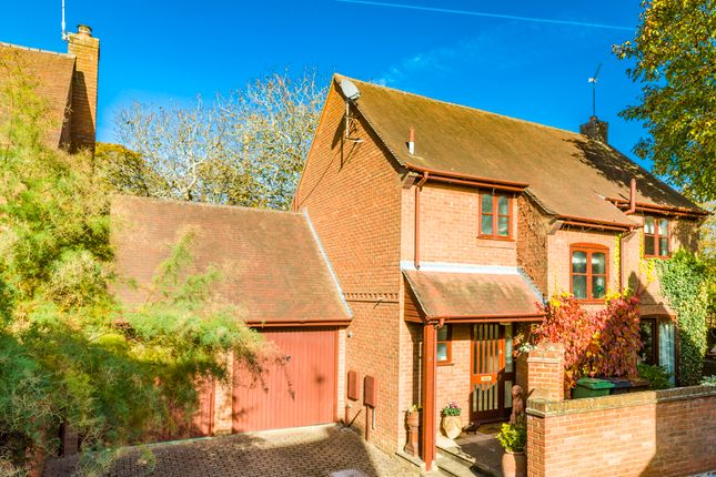 4 bed property for sale in 3 Walnut Tree Court, Goring On Thames