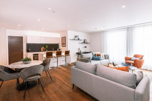 1 bed flat for sale in Long Lynderswood, Basildon SS15