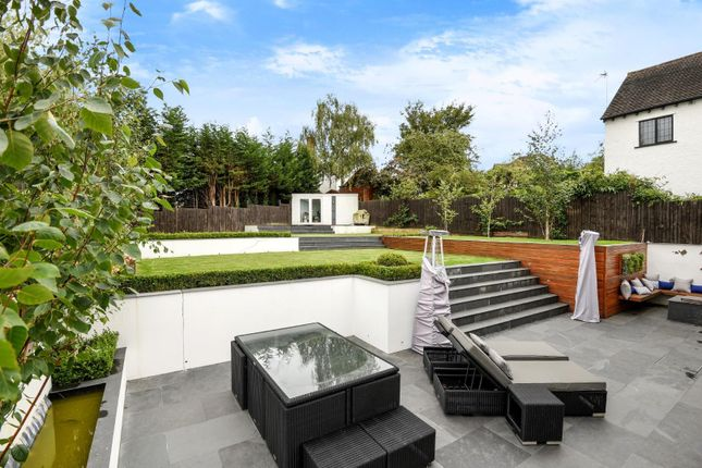 Thumbnail Detached house for sale in Forest View Road, Loughton