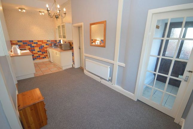 Thumbnail Flat to rent in Fairfield Road, Widnes