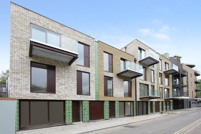 Thumbnail Commercial property for sale in Mill Lofts, County Street, London
