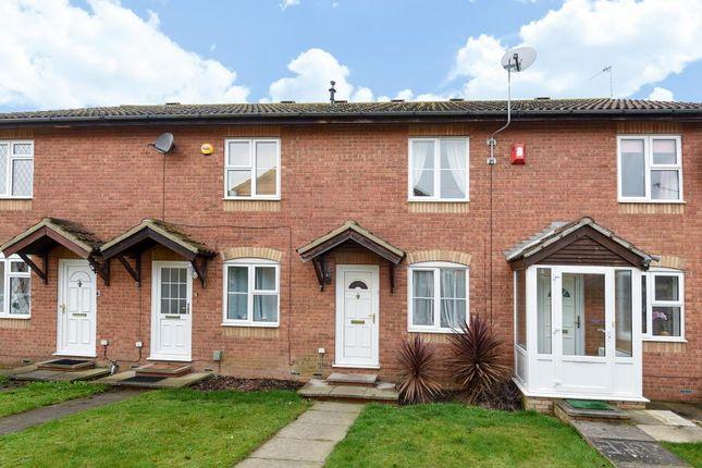2 bed terraced house for sale in Hawkslade, Aylesbury