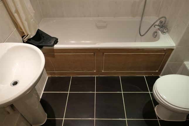 Main Bathroom of Manor House Drive, City Centre, Coventry CV1