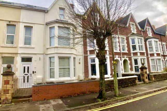 Studio to rent in Victoria Avenue, Porthcawl CF36