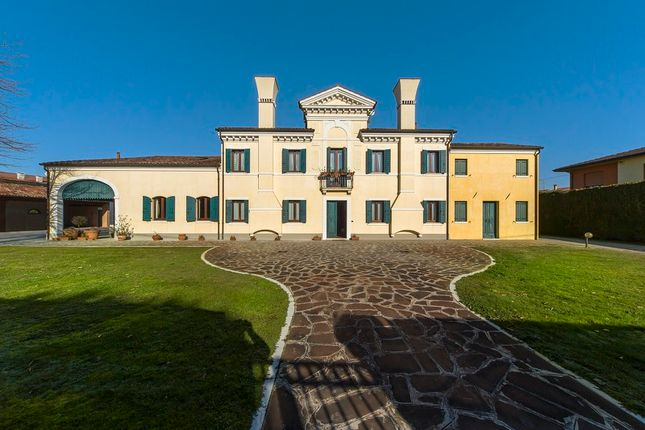 Thumbnail Villa for sale in Padova, Padua City, Padua, Veneto, Italy