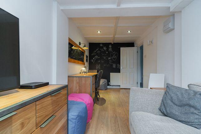 Room to rent in Howard Road, Surbiton