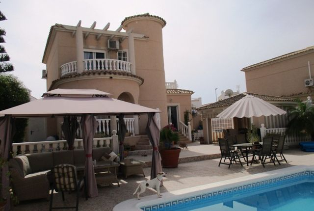 Detached house for sale in Urbanización La Marina, Costa Blanca South, Costa Blanca, Valencia, Spain