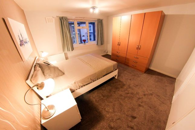 Thumbnail Shared accommodation to rent in Needham Road, Liverpool