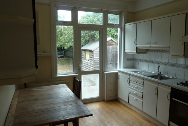 Thumbnail Property to rent in Willingdon Road, London