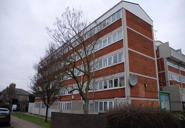 Thumbnail Maisonette to rent in Suffolk Square, Norwich, Norfolk