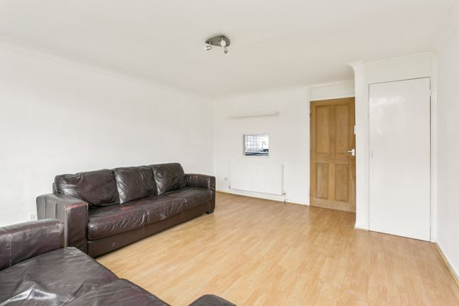 Thumbnail Flat to rent in Goral Mead, Rickmansworth