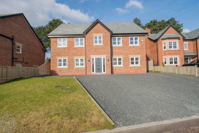 Thumbnail Detached house for sale in Farington Lodge Gardens, Farington, Leyland