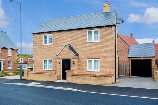 Thumbnail Detached house for sale in Needlepin Way, Buckingham