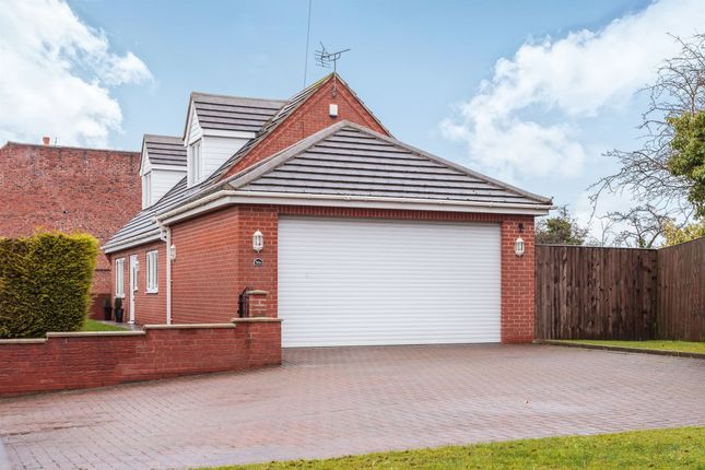 Thumbnail Detached house for sale in Pontefract Road, Knottingley