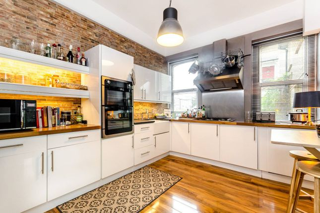 Thumbnail Flat to rent in Cambridge Road, Bromley North
