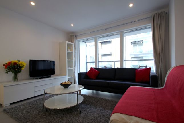 1 bed flat to rent in Dance Square, London