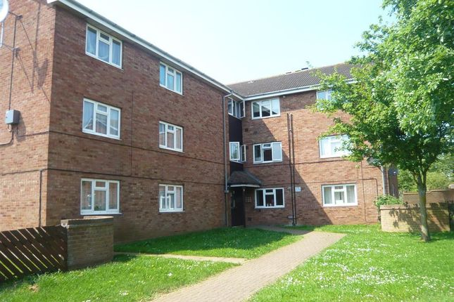 Thumbnail Flat to rent in Chestnut Grove, Grantham