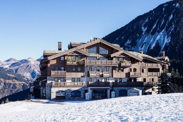 Apartment for sale in Courchevel Moriond, French Alps, France