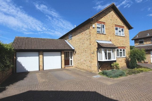 Thumbnail Detached house for sale in Balmoral Way, Belmont, Sutton