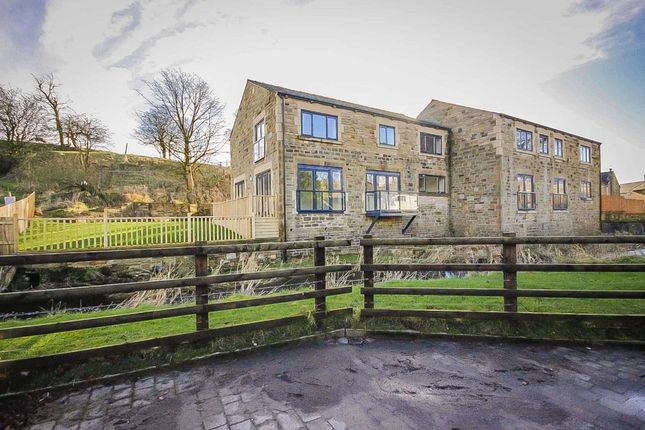 Thumbnail Semi-detached house to rent in Riverbank Mews, Rossendale