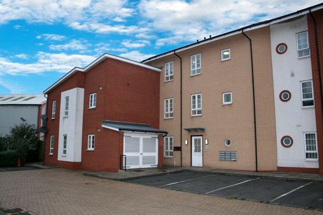 Thumbnail Flat to rent in Kingfisher Way, Tipton