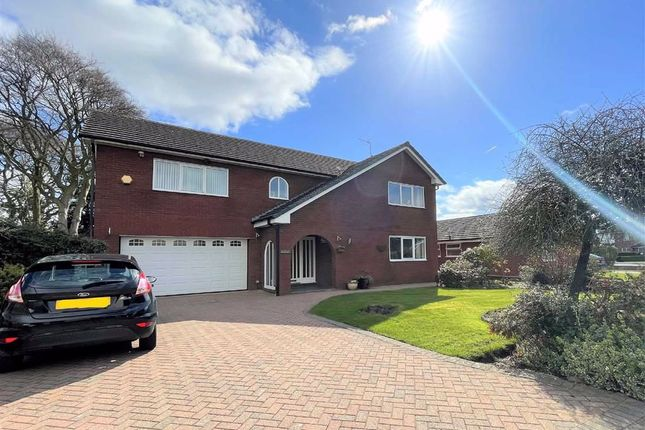 Thumbnail Detached house for sale in Elmridge, Leigh