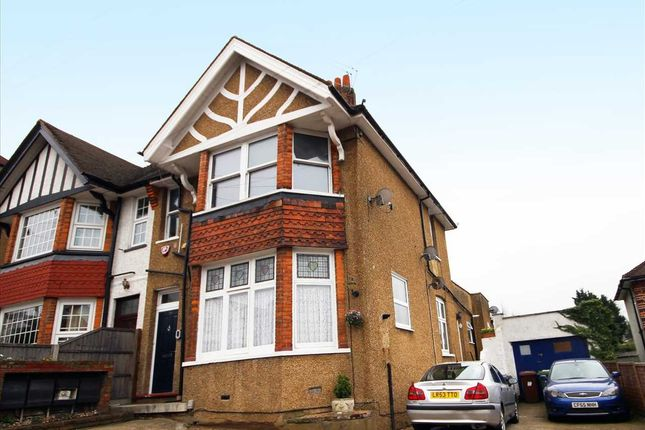 Thumbnail Flat for sale in Aldenham Road, Bushey