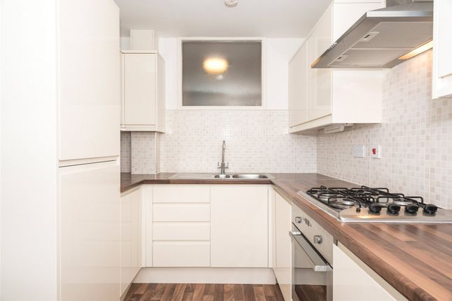 Thumbnail Flat to rent in High Moor Court, Leeds, West Yorkshire