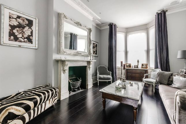 Thumbnail Property for sale in Wharfedale Street, Chelsea