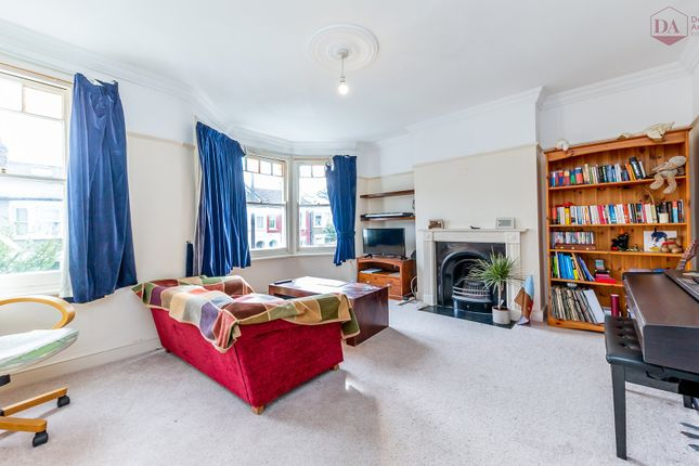 Flat for sale in Beresford Road, London