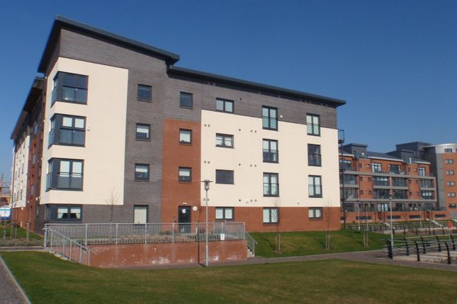 Thumbnail Flat to rent in Cardon Square, Braehead, Renfrew