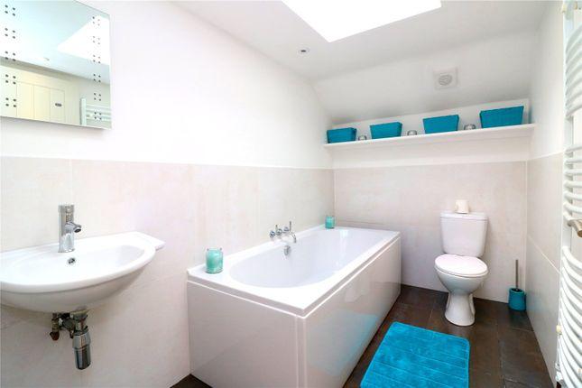 Bathroom of Hempstead Road, Kings Langley WD4