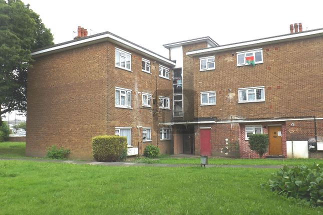 Flat to rent in Kingsbury Road, Kingsbury