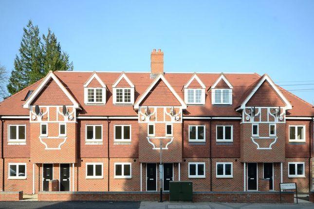 Thumbnail Terraced house to rent in Oxford Road, Tilehurst, Reading