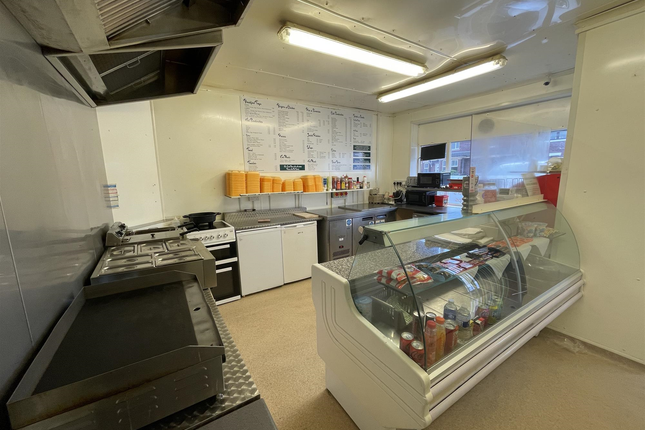 Thumbnail Restaurant/cafe for sale in Cafe & Sandwich Bars WF6, Altofts, West Yorkshire