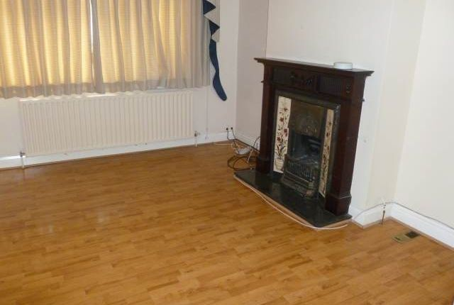 3 bed property to rent in Balmoral Drive, Hayes, Middlesex