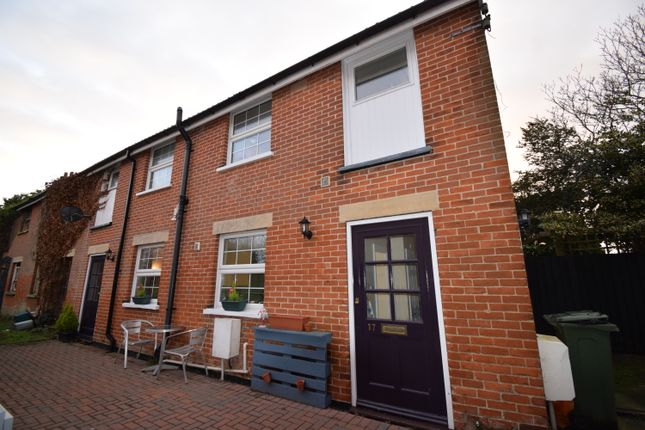 2 bed end terrace house to rent in Old Road, Frinton-On-Sea CO13