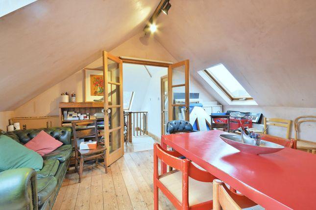 15'9 Second Floor Bedroom/Family Room