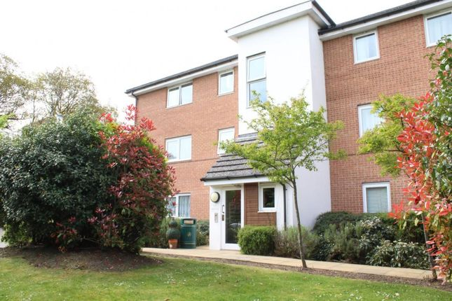 Thumbnail Flat to rent in Parsons Close, Aldershot