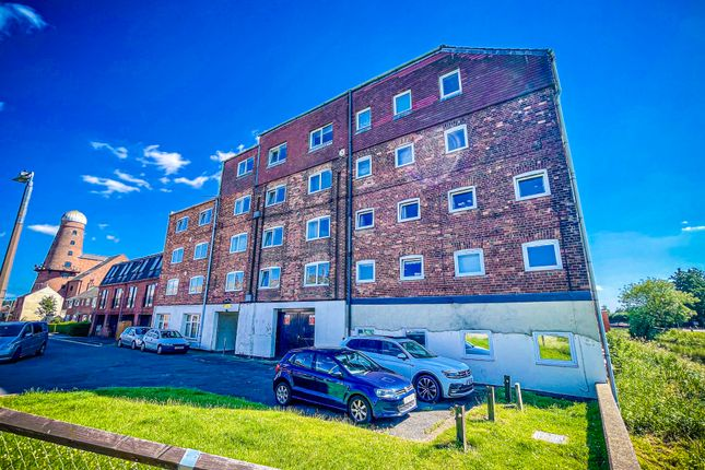 3 bed flat to rent in Princess Street, Lincoln LN5