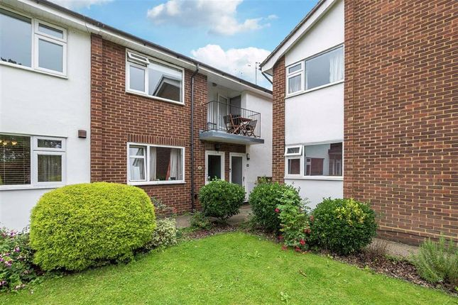 Thumbnail Flat for sale in Lower Park Road, Loughton