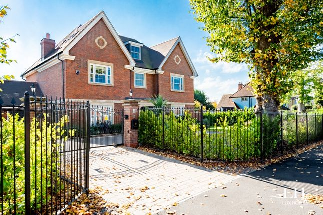 Thumbnail Detached house to rent in Herbert Road, Emerson Park