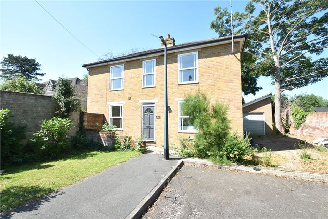 Thumbnail Detached house to rent in Riseley Road, Maidenhead, Berkshire