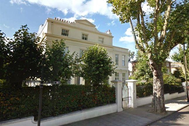 Thumbnail Flat to rent in Warwick Avenue, London